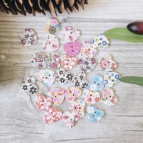 Пуговицы Сердечки из дерева цветные фото