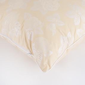 Подушка Лебяжий пух Розы цвет бежевый 70/70 фото
