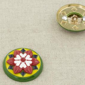 Пуговица металл ПМ98 25мм золото желто-зеленая с белым цветком керамика уп 12 шт фото