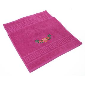 Махровое полотенце с вышивкой Цветы 40/70 см цвет малиновый фото