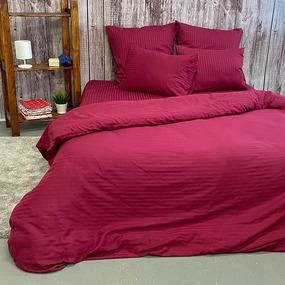 Простыня страйп-сатин полоса 1х1 120 гр/м2 084/2 цвет бордовый Евро фото