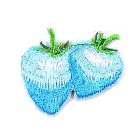 Термоаппликация 024-2 клубника цвет голубой 4.9*4.6 см фото