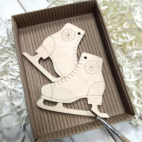 Набор для создания игрушки из фанеры Коньки фото