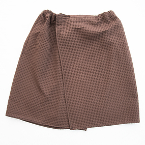 Вафельная накидка на резинке для бани и сауны Премиум мужская с широкой резинкой цвет 896 коричневый фото