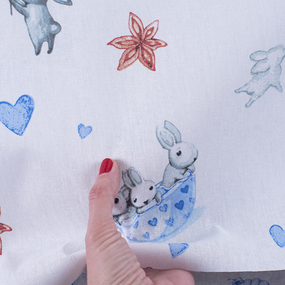 Ткань на отрез бязь 120 гр/м2 детская 150 см 9507 Зайчата цвет голубой (комп.) фото