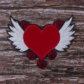 Аппликация ТАП 2111 красное сердце с крыльями 22*17см фото