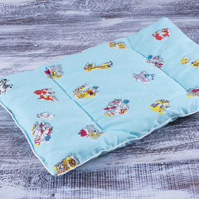 Подушка для новорожденных 40/60 цвет голубой с рисунком фото