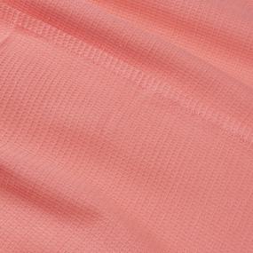 Вафельная накидка на резинке для бани и сауны женская цвет коралл фото