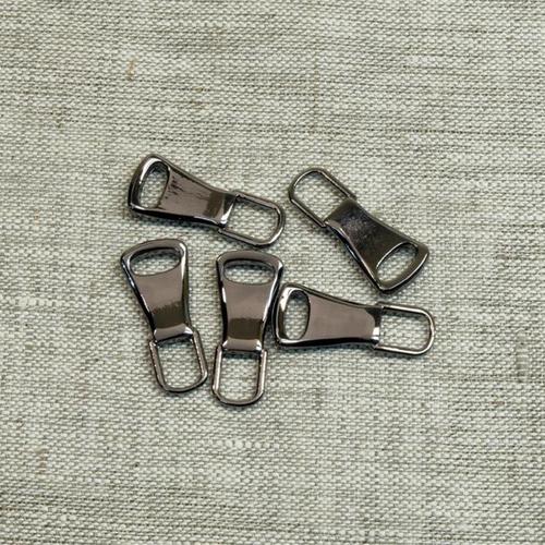 Подвес к бегунку №3 металл черный никель (юбка) фото 1