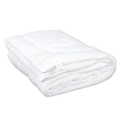 Одеяло Комфорт облегченное с кантом полиэфир чехол белый п/э 150 гр/м2 140/205 фото 1